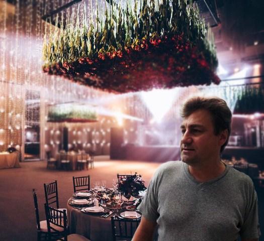 fresh -flower-hanging-ceiling