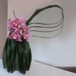 floral-leaf-vase