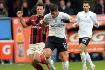 Denis.Milan.Atalanta.Serie.A.2014.15.356×237