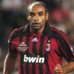 40 presenze dal 2007 al 2009 per lui condite da 0 reti ma da tante bestemmie dei tifosi del Milan. Una volta lasciato il calcio giocato è stato tumulato nella vasca di sabbia di Milanello.