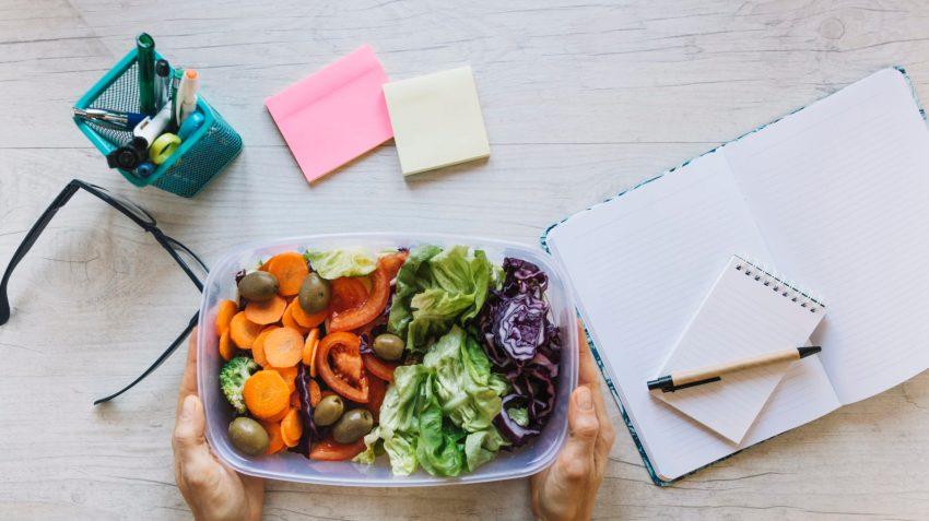 Lunch box: il pranzo ideale è leggero e con tante verdure fresche e di stagione