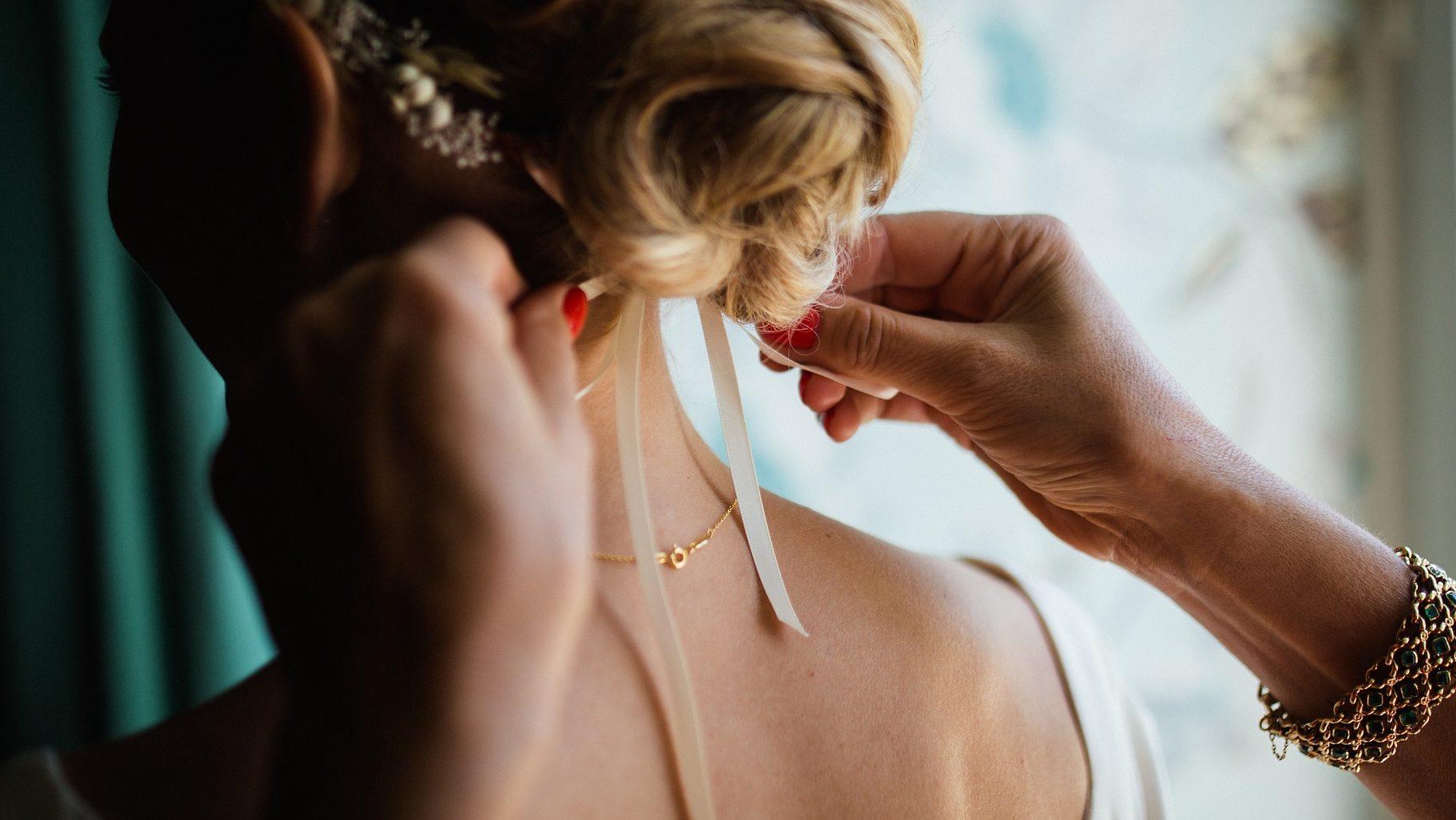 Matrimonio Country Chic Hair : Abiti da sposa country chic per il tuo matrimonio foto