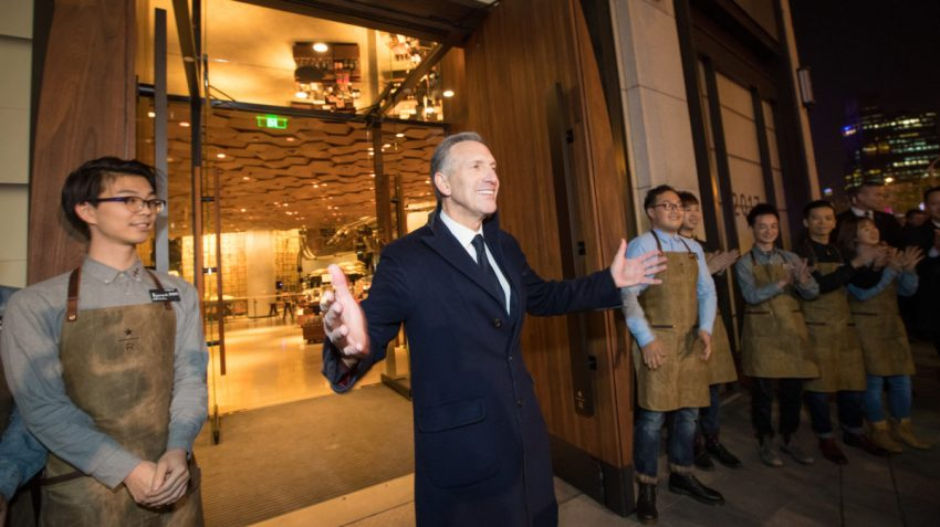 Howard Schultz all'inaugurazione di Starbucks Roastery a Shanghai