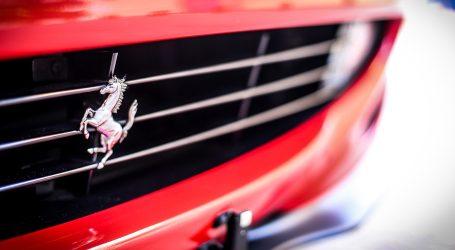 Ferrari a Milano, in piazza Duomo la festa per i 90 anni