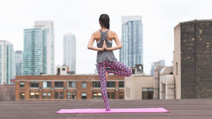 Lo yoga all'aperto arriva dall'America e piace sempre più anche in Italia