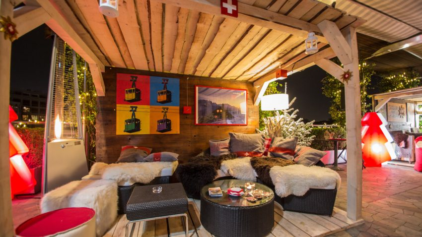 Tutto lo charme della Svizzera in uno dei più bei rooftop della città
