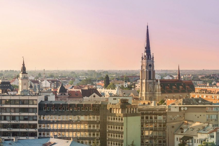 Novi sad, elegante città serba
