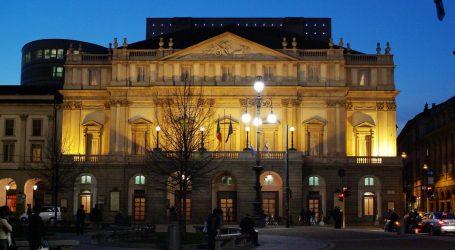 Teatro alla Scala, su e giù da un palco