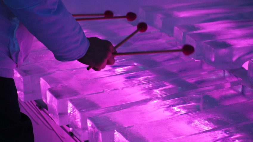 Uno degli spettacolari strumenti dell'Ice Music Festival