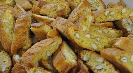 La ricetta dei cantucci toscani, facile e veloce