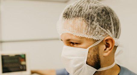 Mascherine chirurgiche a domicilio alle famiglie