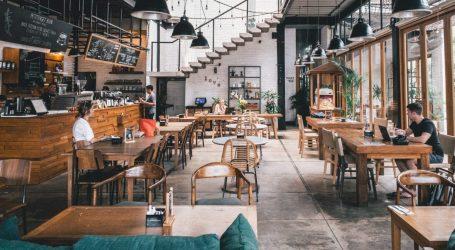 Temperatura all'entrata e 1 metro di distanza: nuove regole per il ristorante