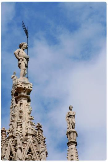 Милан, шпили Домского Собора