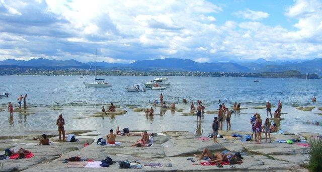 Сирмионе - озеро Гарда - пляж Ямайка