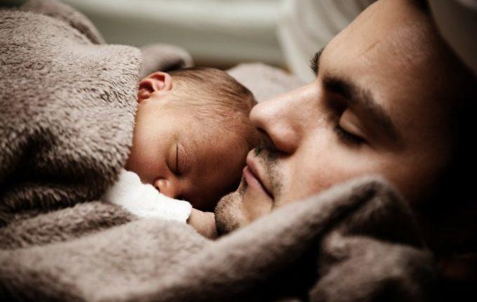 Die Sommertipps - Baby schläft bei Papa