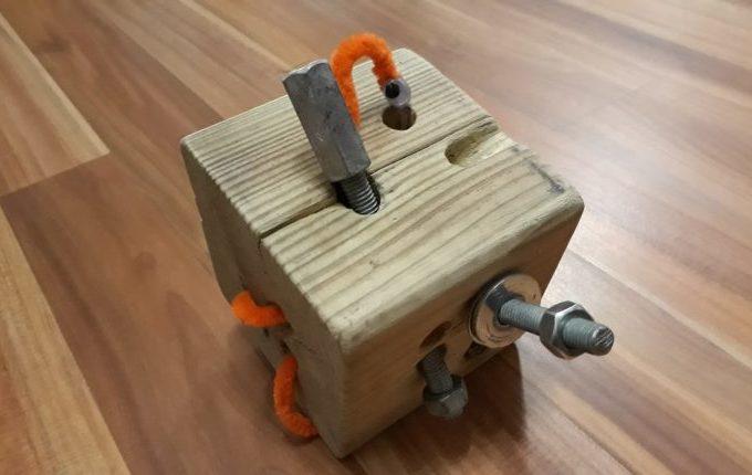 motorikspielzeug aus holz selber basteln anleitung und tipps. Black Bedroom Furniture Sets. Home Design Ideas