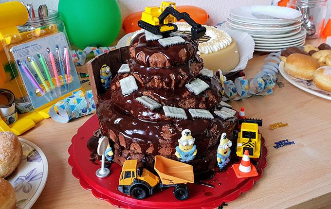 Baustellen party zum kindergeburtstag - Tortendeko kinder ...