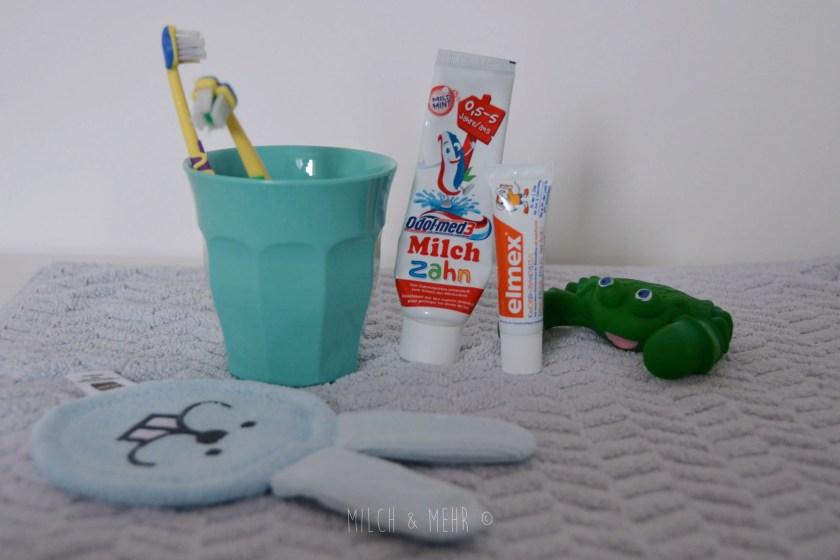 Zahnpasta und Zahnbuerste fuer Babys