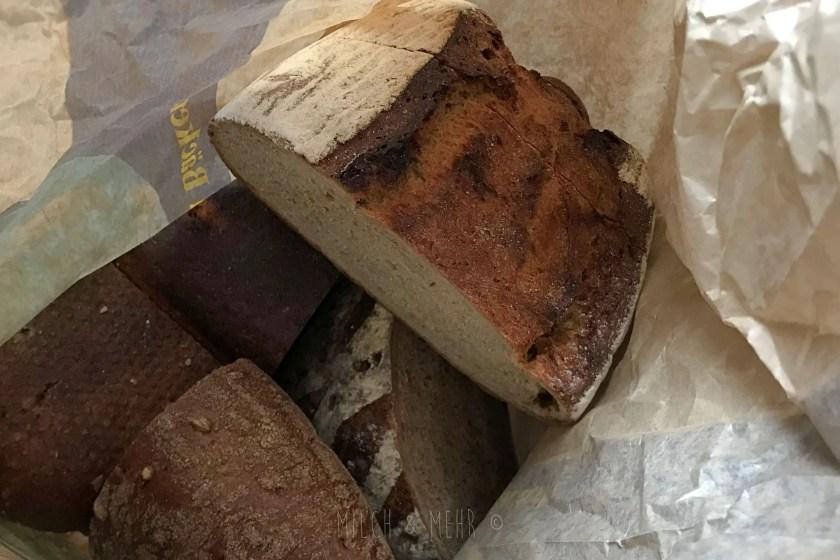 Brot vom Baecker geschenkt bekommen