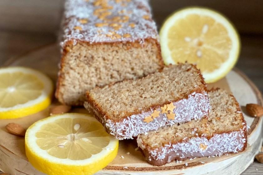 gesunder Kuchen mit Mandeln, Dinkel und Zitrone