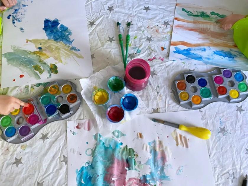 Wasserfarben Malen mit Kleinkindern