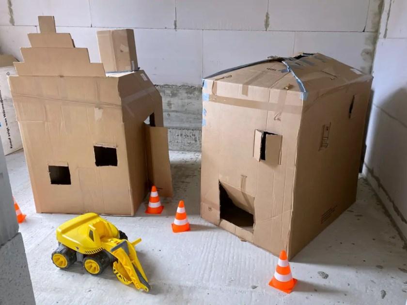 Haus aus Pappkarton bauen