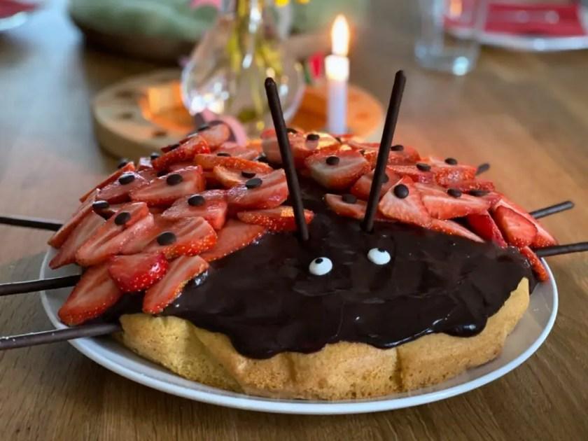 Marienkarfer-Kuchen Erdbeeren