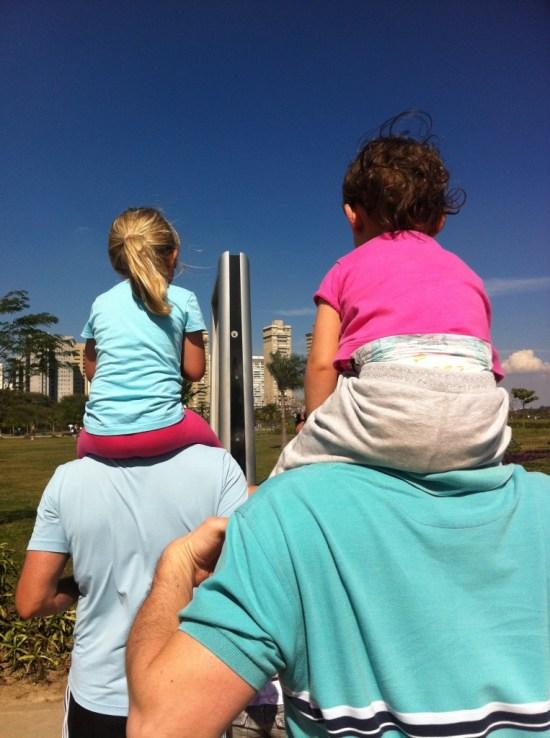 meninas no Parque Villa Lobos
