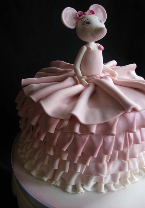 bolo de aniversario angelina
