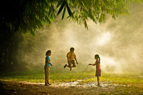 Indonésia http://500px.com/photo/1843399/yaaay-i-can-jump!-by-rio-rinaldi-rachmatullah (Rio Rinaldi Rachmatullah)