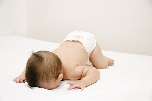 bebê caído