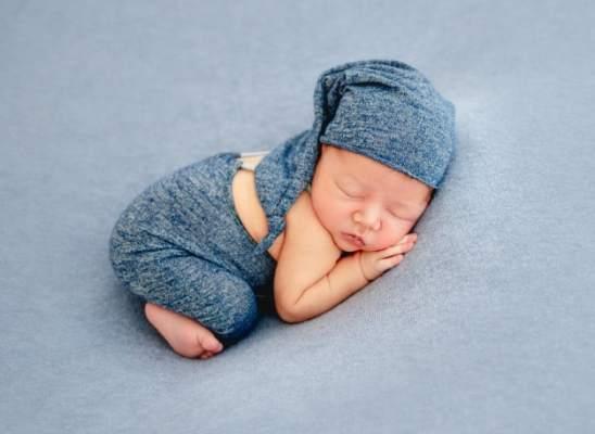 Acne neonatal