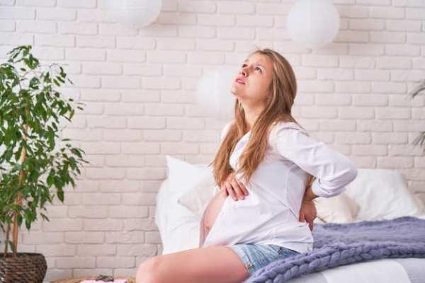 grávida entrando em trabalho de parto