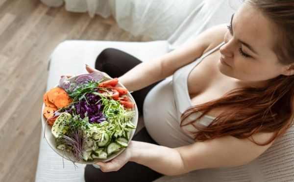 gestante se alimentando saudável