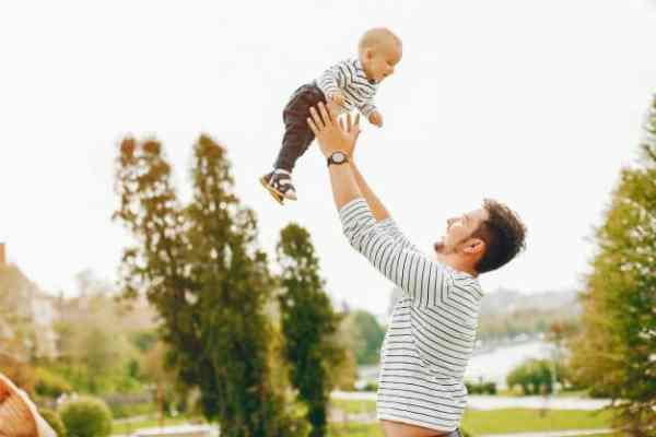ensaio fotográfico de bebês com o papai