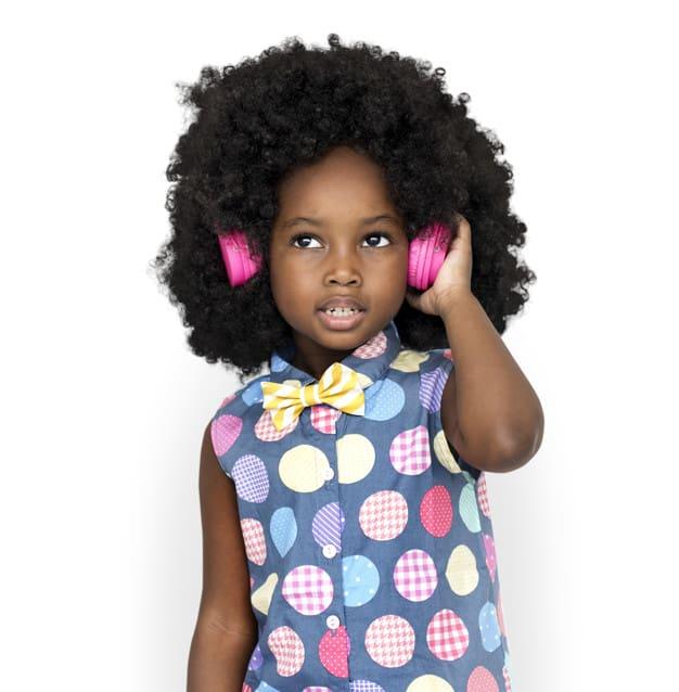 Menina escutando música