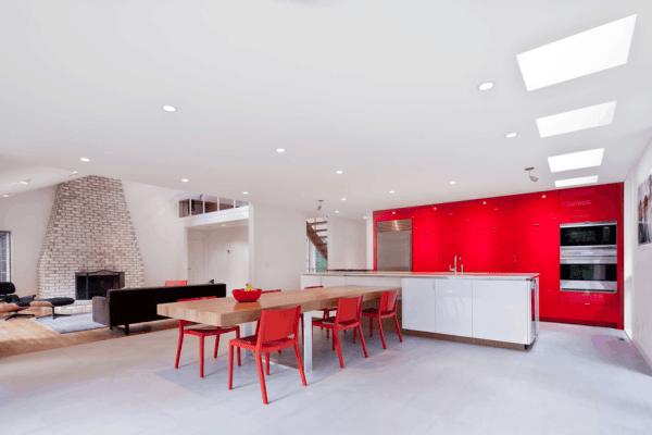 cozinha branco e vermelha