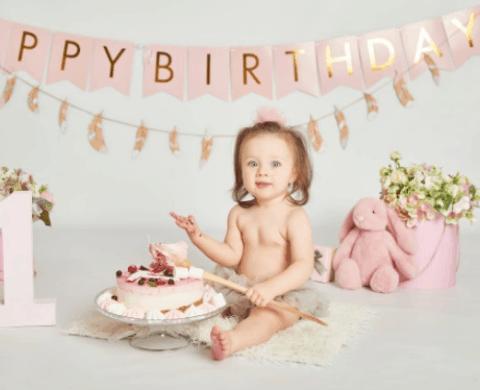 ensaio de 1 ano com bolo para meninas