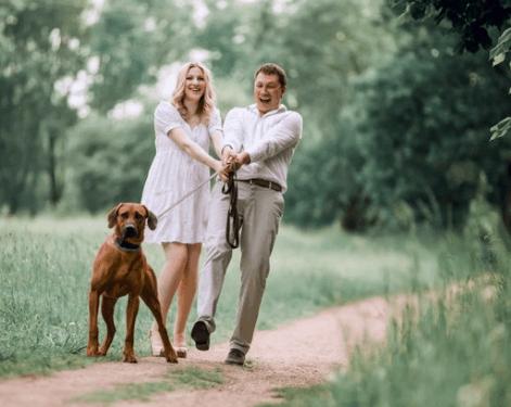 ensaio de gestante com cachorro