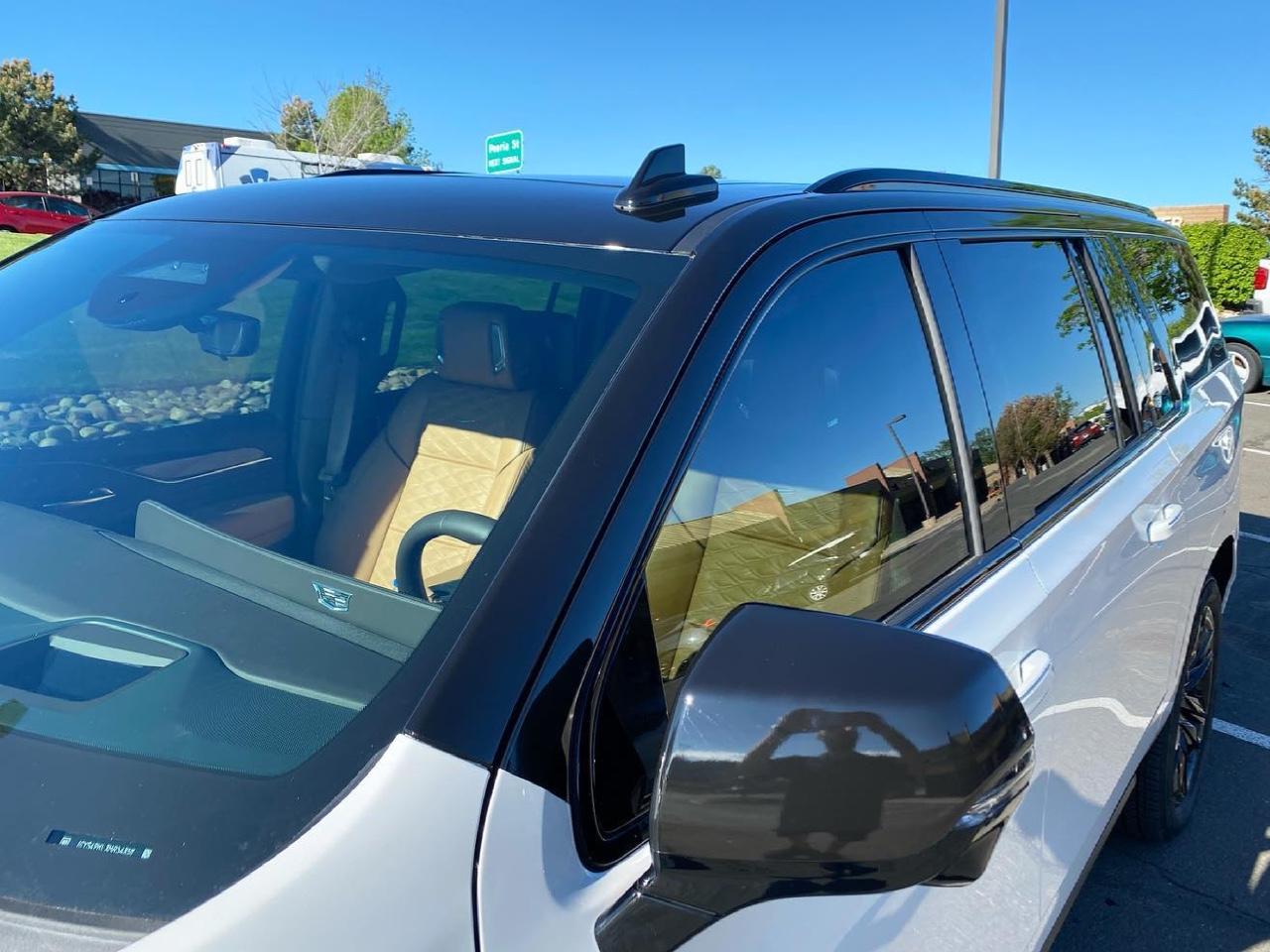 Cadillac Escalade vinyl wraps top