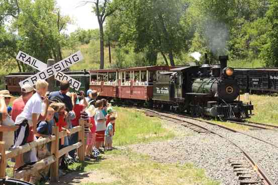CO RR Museum-train-people