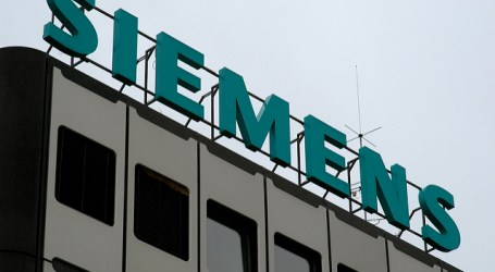 Germany wants wider EU sanctions blacklist on Russia over Siemens Crimea turbines -sources
