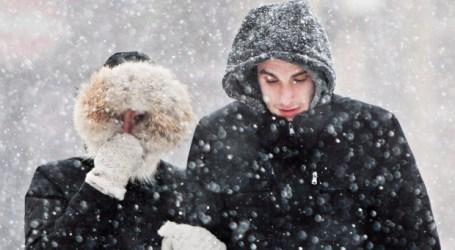 """Canadianos podem preparar-se para um inverno """"clássico"""" com muita neve"""