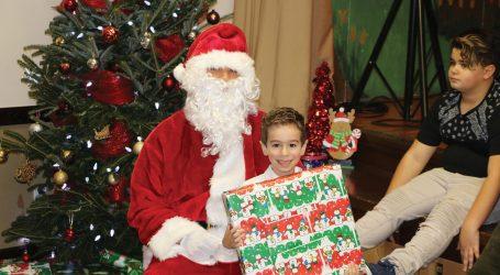 Momento mágico marca Natal da Criança da Casa das Beiras de Toronto