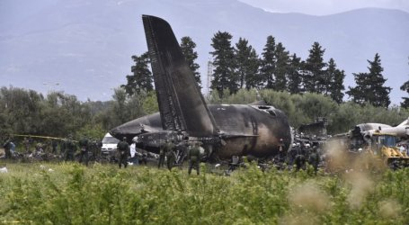 Avião caiu na Argélia e fez 257 mortos