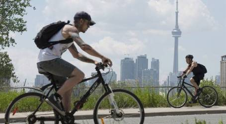 We spent rush hour watching cyclists and drivers navigate an 'absolutely terrifying' Toronto intersection. Most did it wrong