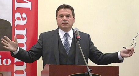 Vereador da Câmara de Toronto: Mammoliti defende Ford