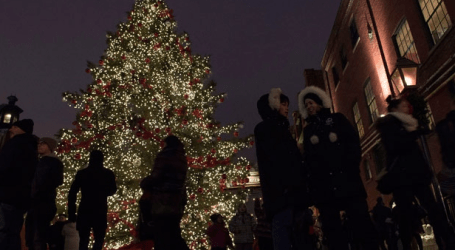 Toronto Christmas Market opens as first snowfall hits the city