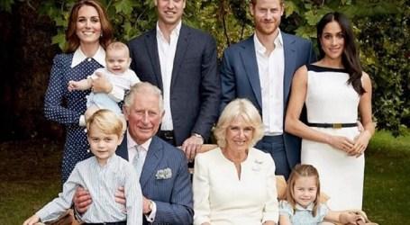 Há uma mensagem escondida na foto oficial de aniversário do príncipe Carlos?