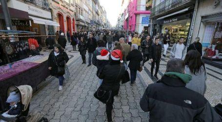 Gastos dos portugueses com compras de Natal caem para 314 euros